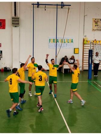 La gioia del sestetto gialloverde dopo un punto