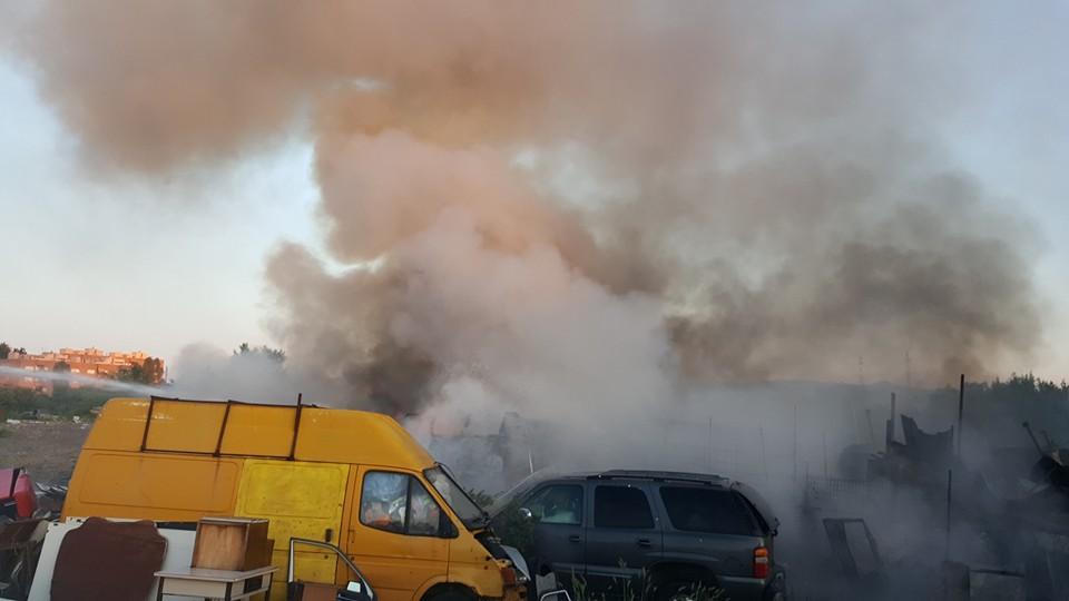 Tivoli Terme, cortocircuito al campo rom: fuoco divora tre baracche
