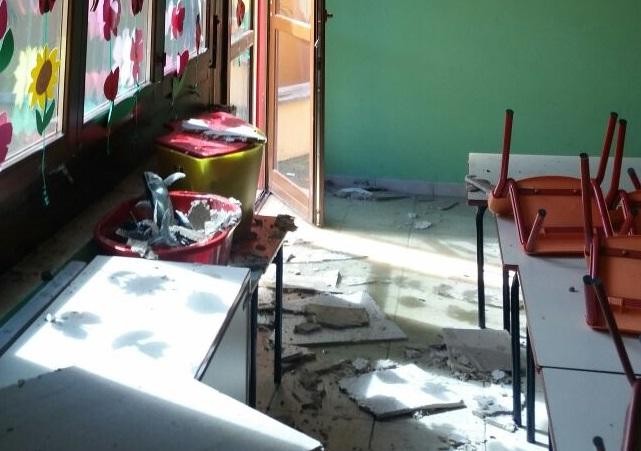"""Dopo il crollo in aula, l'assessore Nardecchia: """"La scuola riapre martedì. Massima sicurezza"""""""