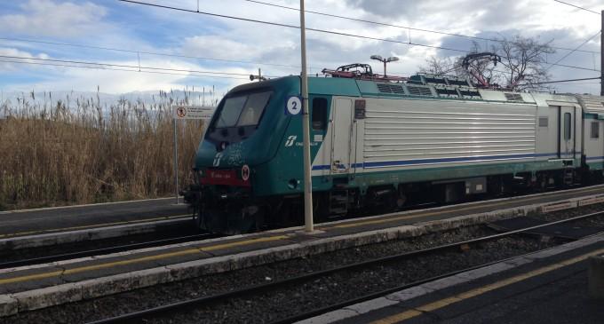 Investimento mortale sui binari a Bagni di Tivoli, treni sospesi