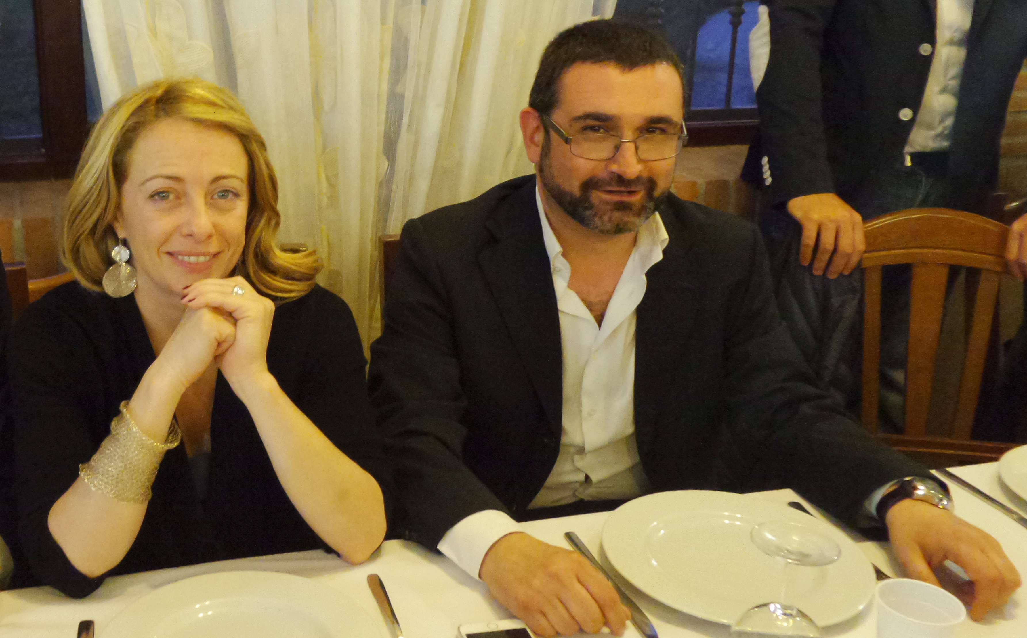 Giorgia Meloni festeggia i sindaci di Fratelli d'Italia della provincia: mega evento nel Castello di Palombara