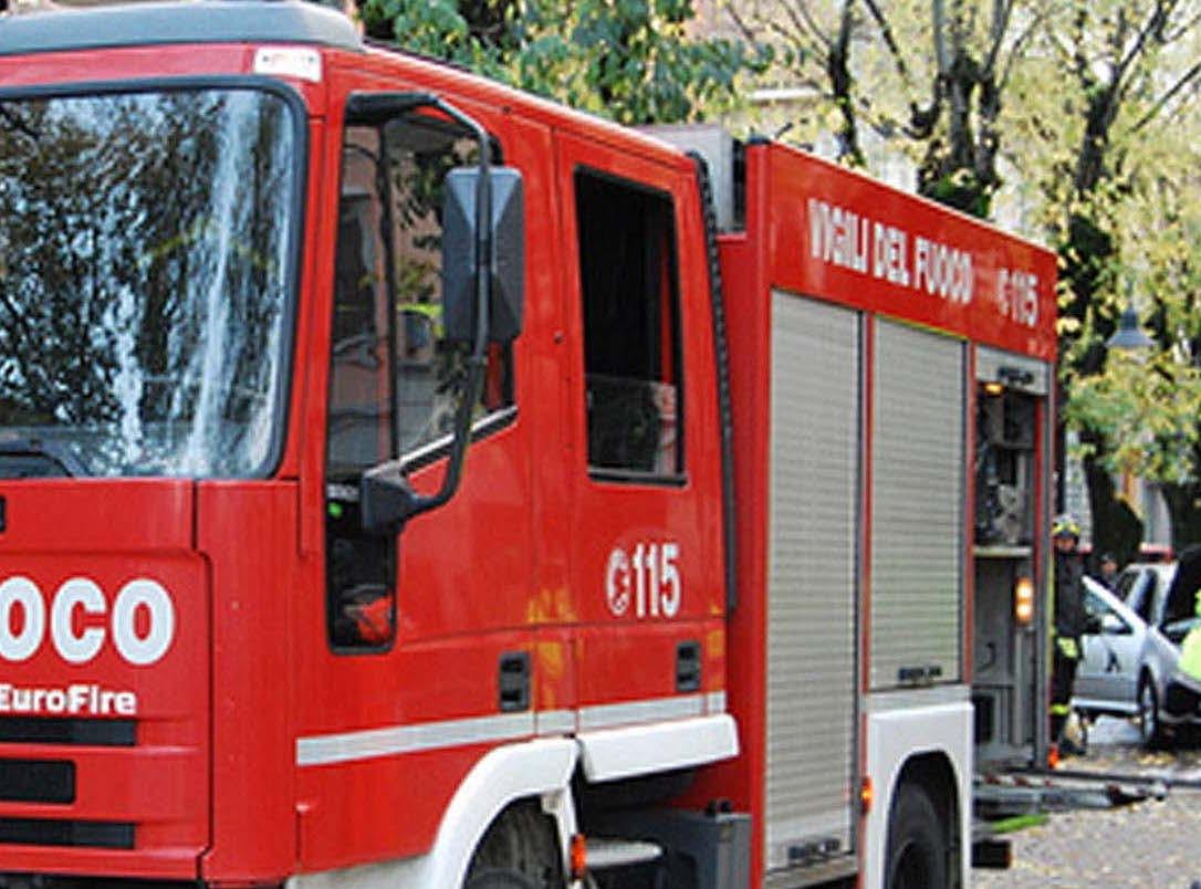 Guidonia, incendio vicino alla stufa in cucina: 90enne muore per le esalazioni