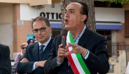"""Venturiello e De Maio bocciano la marcia per chiedere la scarcerazione di Rubeis: """"Inopportuna"""". E l'ex portavoce: """"Non parteciperò"""""""