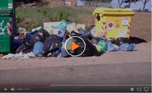 Caos rifiuti a Fonte Nuova: cassonetti stracolmi nell'era della differenziata. I video