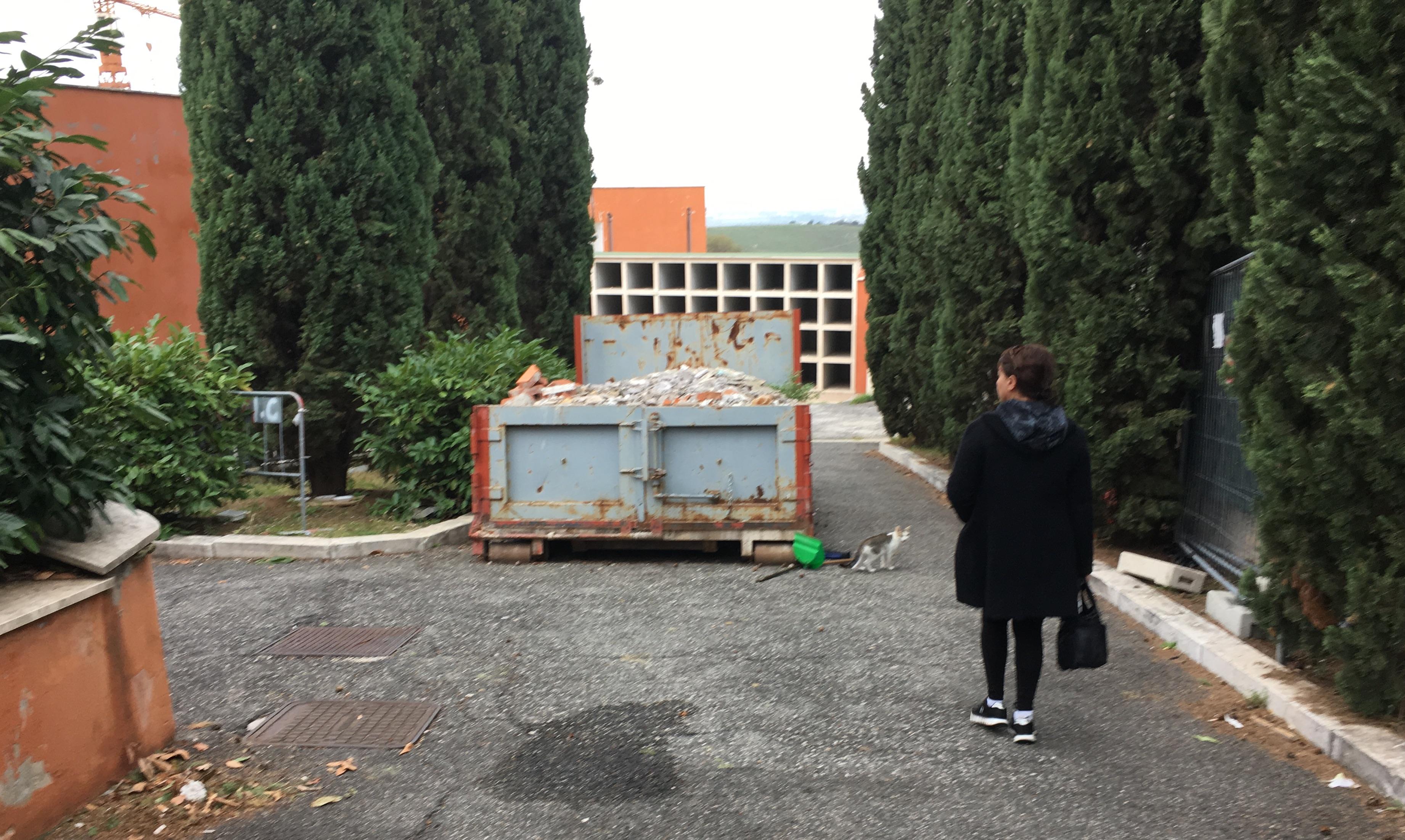 Scontro sul cimitero, atto bomba del commissario: senza lavori, niente gestione a Morasca. I progetti poi non tornano, accordo economico da rivedere