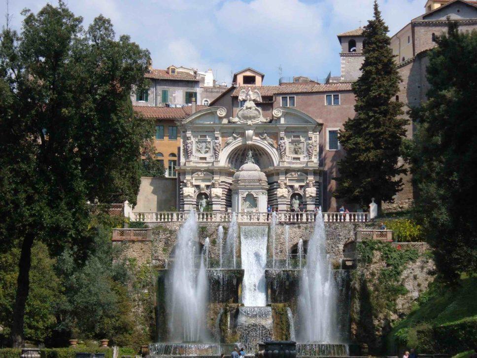 Tivoli, domenica visita a Villa D'Este al tramonto e vicoli a lume di lanterna