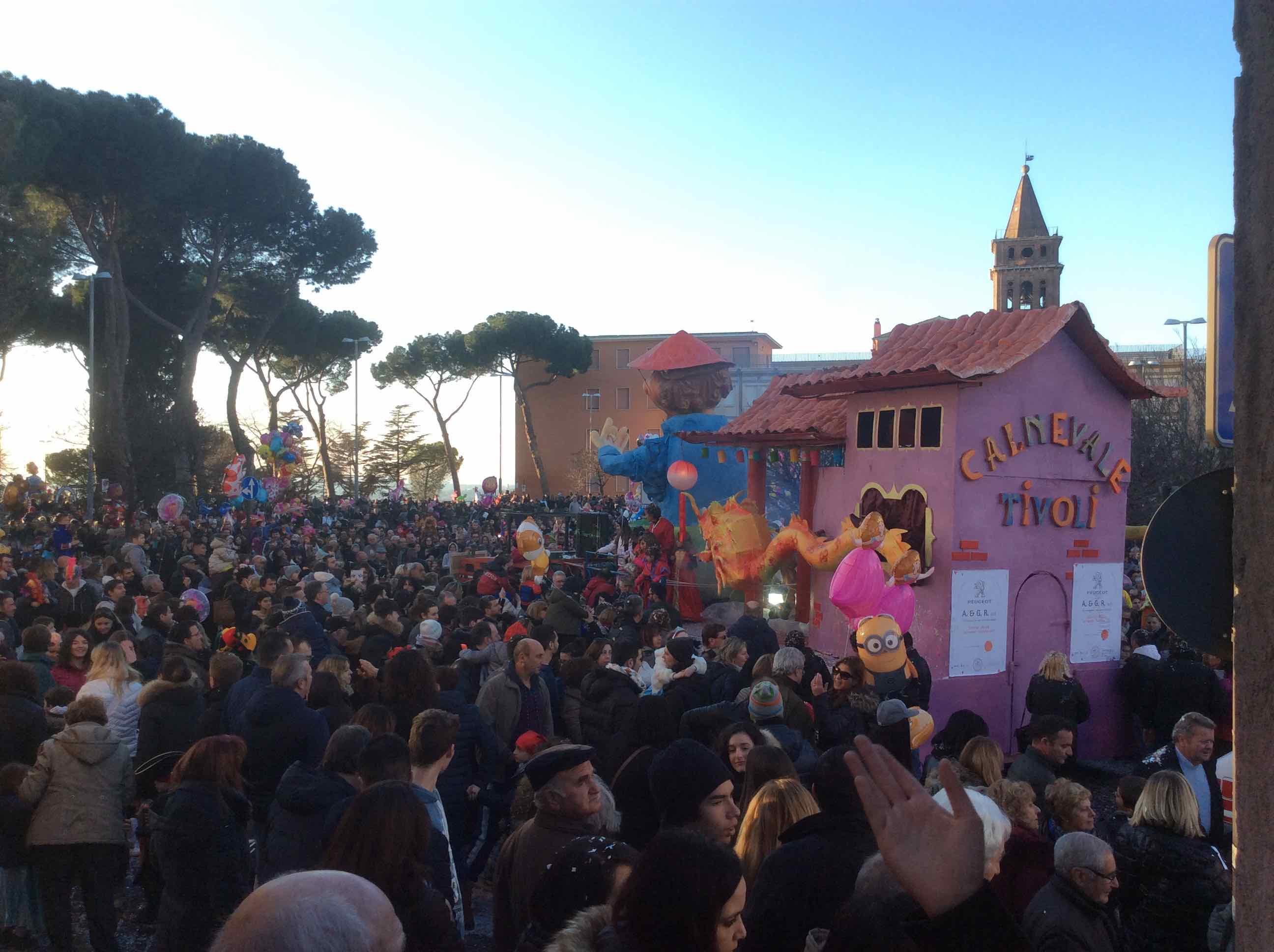 Tivoli, carri, carretti e carriole: pioggia di polemiche sul Carnevale 2017