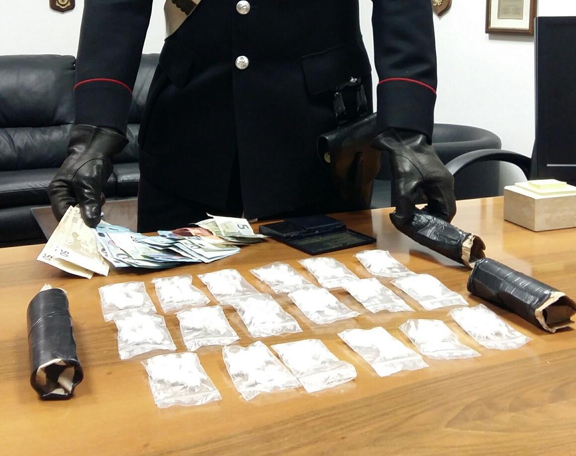 Fonte Nuova, trovato con 180 dosi di cocaina: arrestato 29enne a Tor Lupara