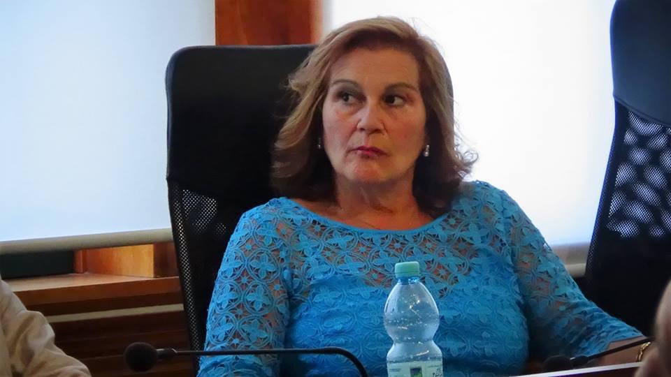 """Ammaturo show contro la Terzulli: """"Vergognati a nominare la tua famiglia"""""""