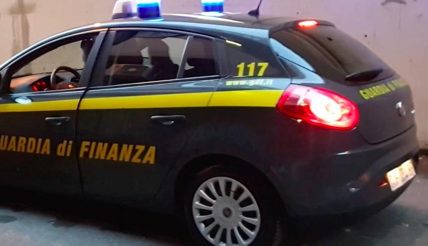 Finanza sequestra 26 kg di marijuana a Tiburtina