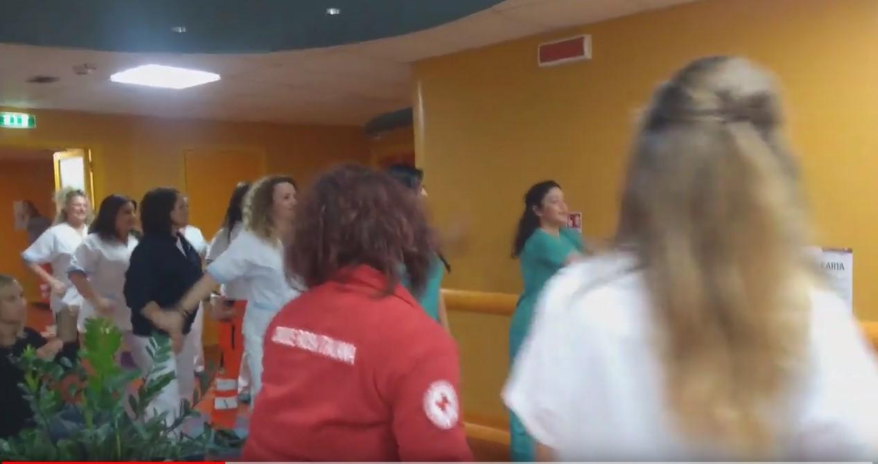Flash mob ospedale di Tivoli nel reparto di oncologia