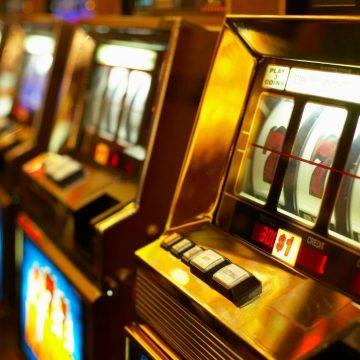 Guidonia vince il ricorso: limiti alle slot machine
