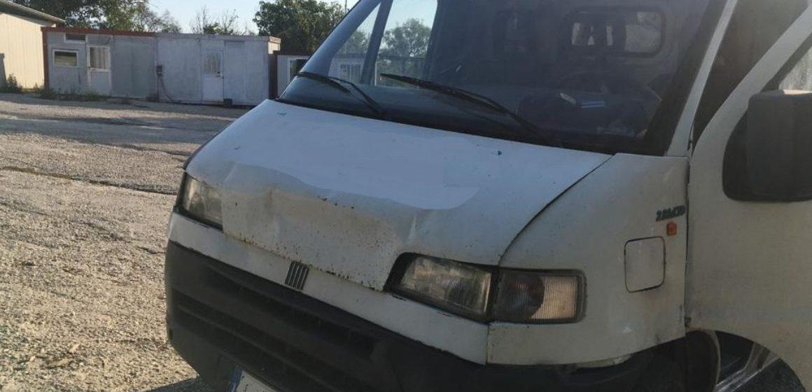 Guidonia, scappa all'alt e abbandona furgone carico di rifiuti pericolosi