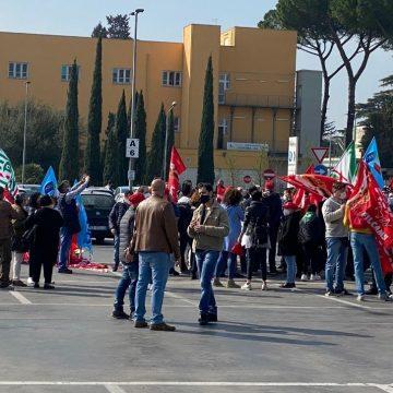 """Ipercoop Guidonia, sindacati: """"Per i lavoratori sarà Pasqua di tensioni"""""""