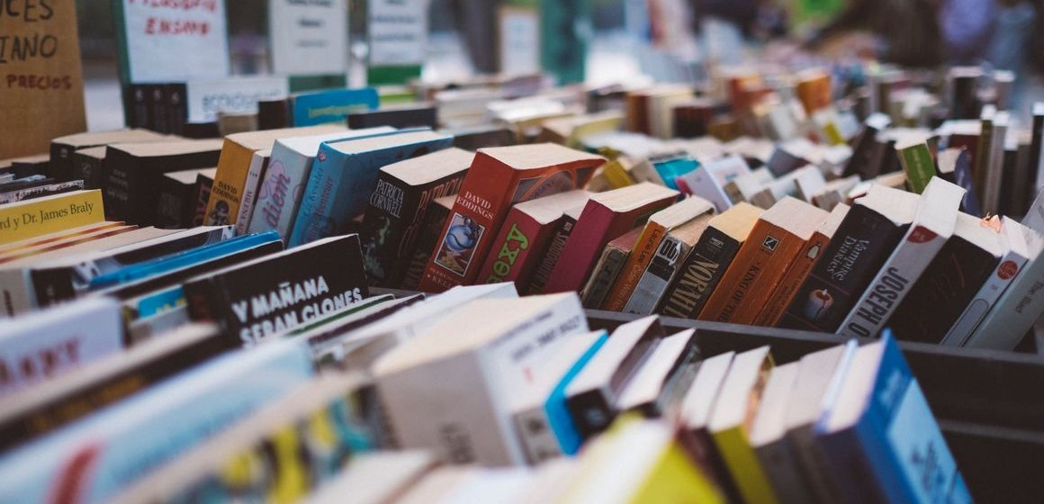 Abbassa la serranda una libreria storica di Tivoli: associazione compra i libri e li dona